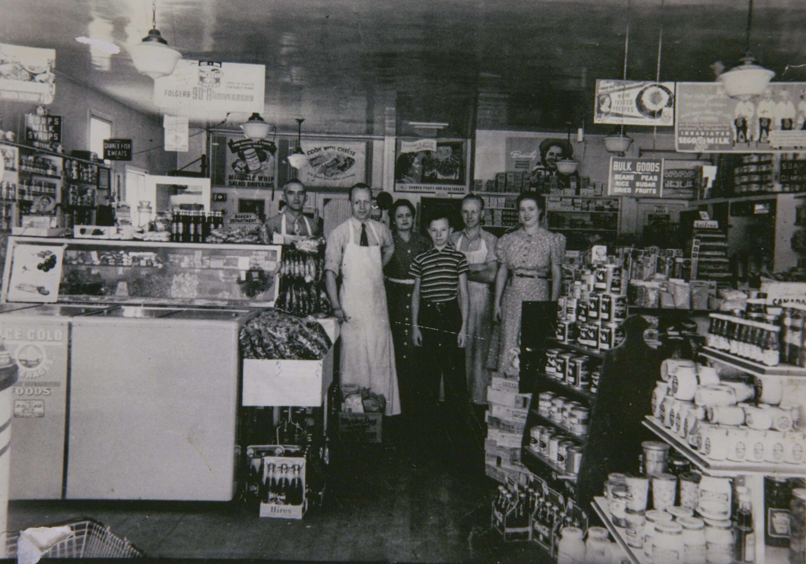 WomenBegan Working in Grocery Stores